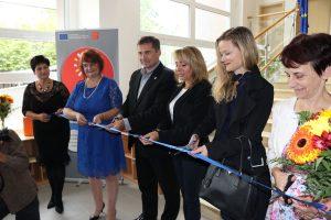 Slavnostního otevření nově zrekonstruované školky se zúčastnila radní pro evropské fondy a školství Irena Ropková společně s pražskou primátorkou Adrianou Krnáčovou.